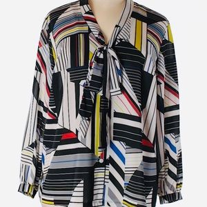 Jete. Geometric Pattern Button Down with Neck Tie